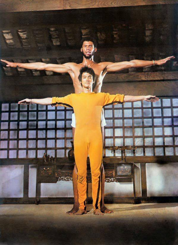 "Bruce Lee ve Kareem Abdul Jabbar ""Game of Death"" setinde (1972)"