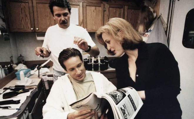 "David Duchovny ve Gillian Anderson ""The X-Files"" kamera arkasında"