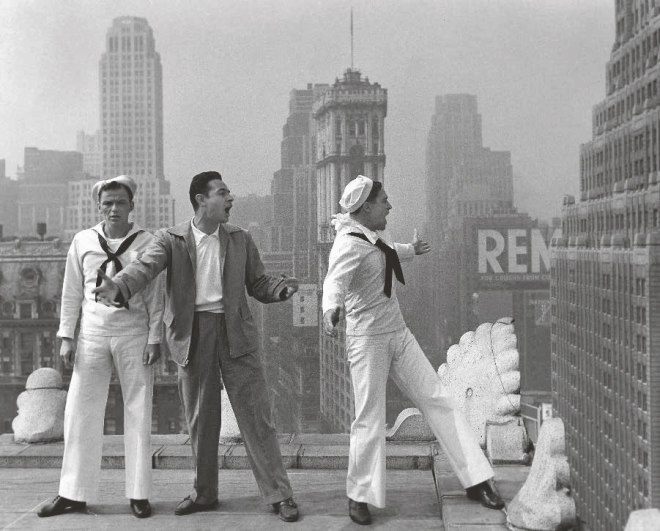 "Frank Sinatra, Stanley Donen ve Gene Kelly ""On the Town"" setinde (1949)"