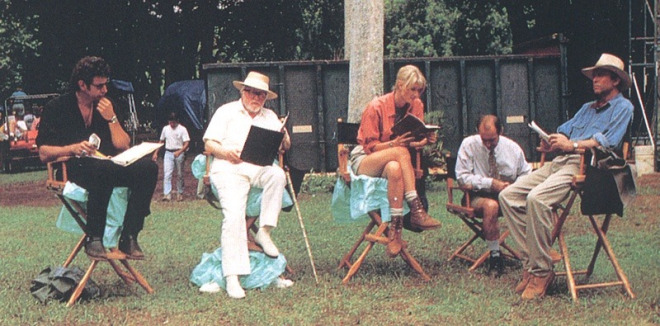 "Jeff Goldblum, Richard Attenborough, Laura Dern, Martin Ferrero ve Sam Neill ""Jurassic Park"" setinde (1993)"