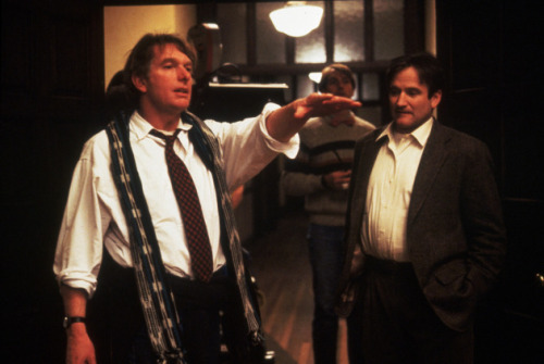 "Peter Weir ve Robin Williams ""Dead Poets Society"" setinde (1989)"