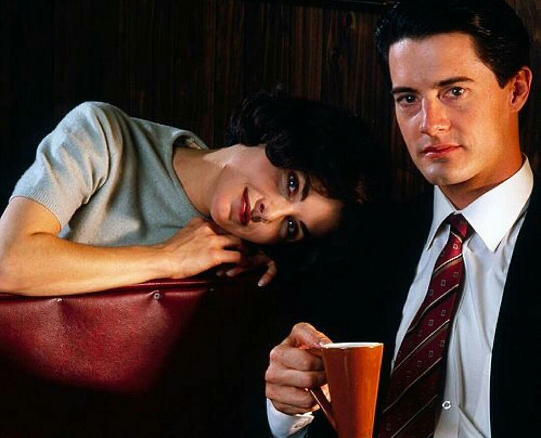 Sherilyn Fenn ve Kyle MacLachanl